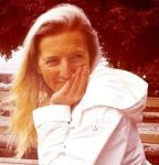 marie shallcross, garden designer, gardening writer, grdening teacher, plews garden design, plews team