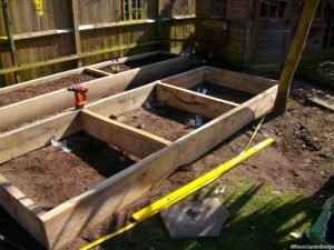 edible garden design bromley, raised beds, grow your own, gardening lessons, making raised vegetable beds