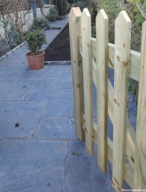 wooden picket gate, front garden design, welsh slate path, london, conservation area