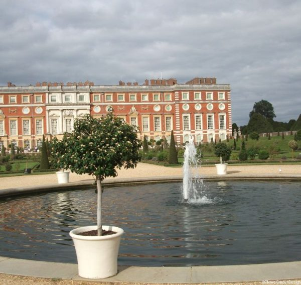 Hampton Court Palace, Privy Garden, formal pond, fountain, topiary, historic gardens