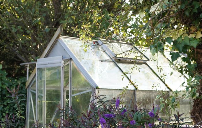 Choosing your greenhouse gardening lessons grow your own Factors to consider before building a conservatory