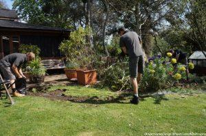 extending border, Nathan waterfield, Chris mollett, memory garden, plews garden design, plews garden landscaping, st christophers hospice