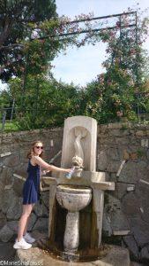 dolphin fountain, roseto comunale roseto di roma, italy, rome, Hari Waterfield
