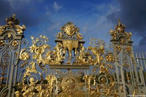 golden gates, hampton court palace gardens, london
